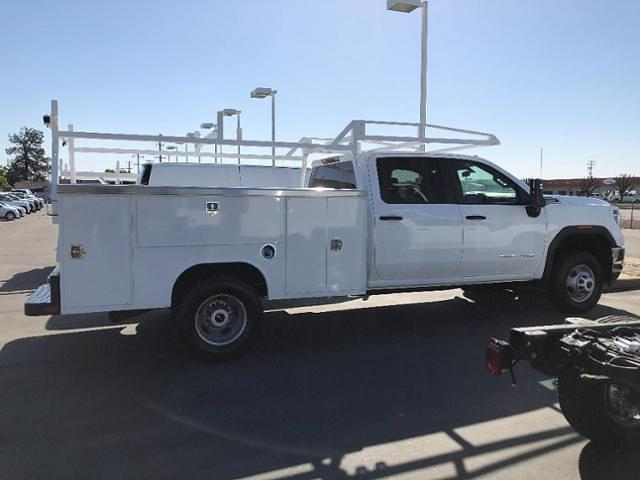 2020 GMC Sierra 3500 Crew Cab 4x4, Service Body #89370 - photo 7