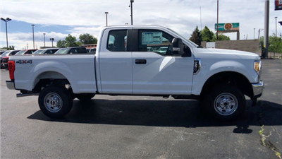 2017 F-250 Super Cab 4x4 Pickup #HED78522 - photo 9