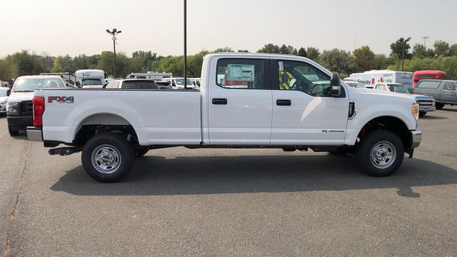 2017 F-250 Crew Cab 4x4 Pickup #HEE56812 - photo 9