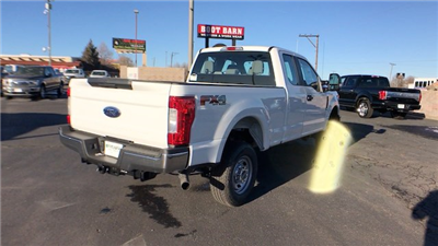 2018 F-250 Super Cab 4x4 Pickup #JEB29157 - photo 2