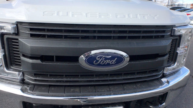 2018 F-250 Crew Cab 4x4, Pickup #JEB51034 - photo 24