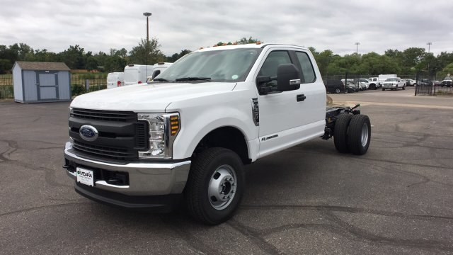 2019 F-350 Super Cab DRW 4x4,  Cab Chassis #KEC13833 - photo 3