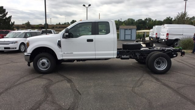 2019 F-350 Super Cab DRW 4x4,  Cab Chassis #KEC13833 - photo 4