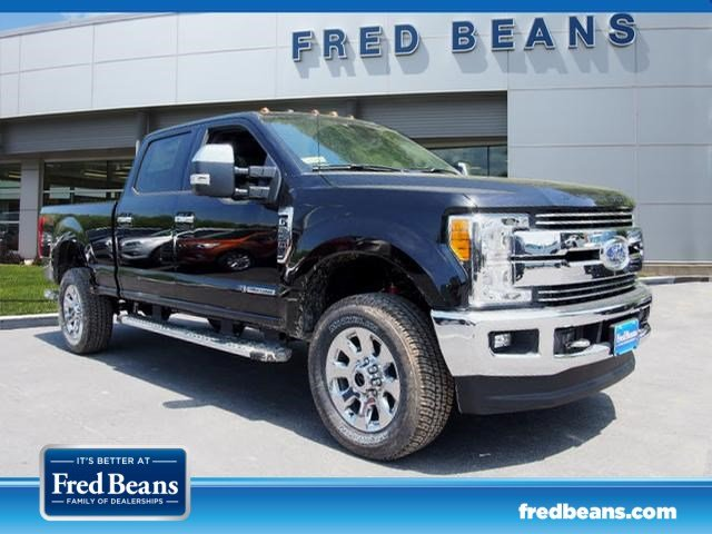 2017 F-250 Crew Cab 4x4, Pickup #W171005 - photo 3