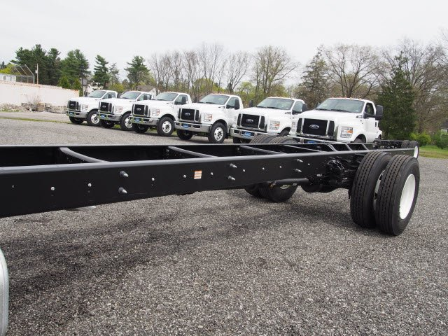 2017 F-650 Regular Cab Cab Chassis #W17971 - photo 5
