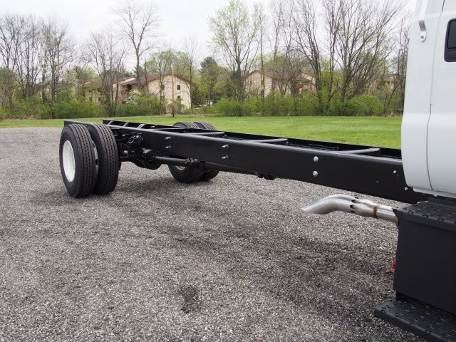 2017 F-650 Regular Cab Cab Chassis #W17971 - photo 8