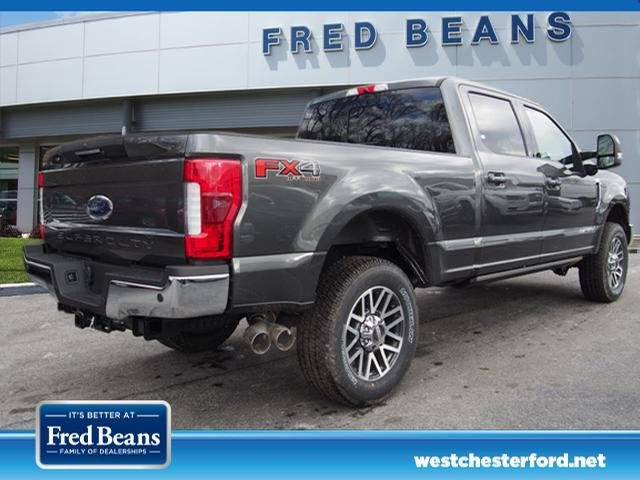 2018 F-250 Crew Cab 4x4, Pickup #W18407 - photo 2
