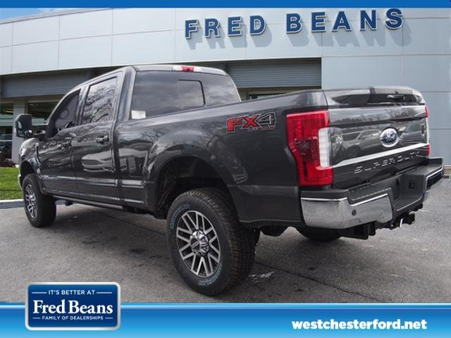 2018 F-250 Crew Cab 4x4, Pickup #W18407 - photo 4