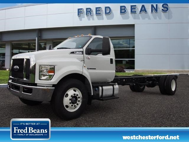 2018 F-650 Regular Cab DRW, Cab Chassis #W18468 - photo 3