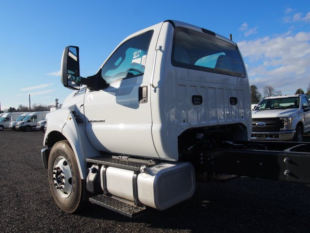 2018 F-650 Regular Cab DRW, Cab Chassis #W18513 - photo 5