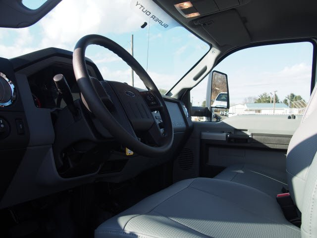 2018 F-650 Regular Cab DRW, Cab Chassis #W18514 - photo 10