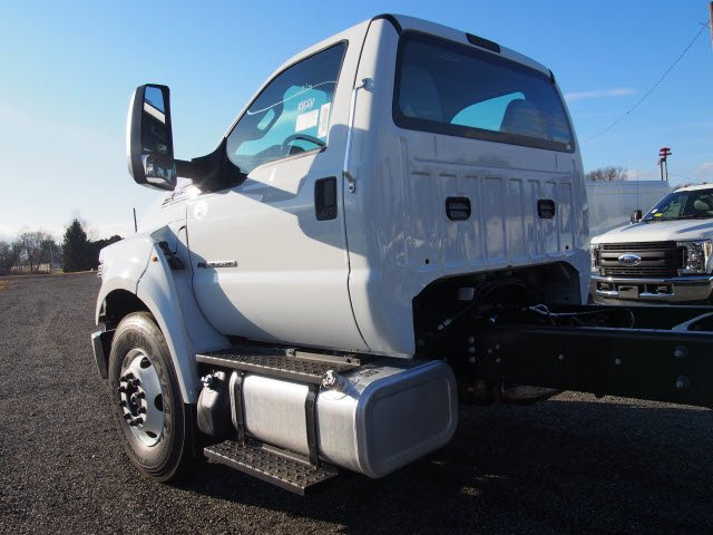 2018 F-650 Regular Cab DRW, Cab Chassis #W18515 - photo 5