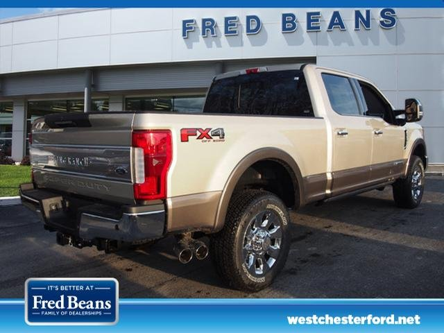 2018 F-250 Crew Cab 4x4, Pickup #W18534 - photo 10