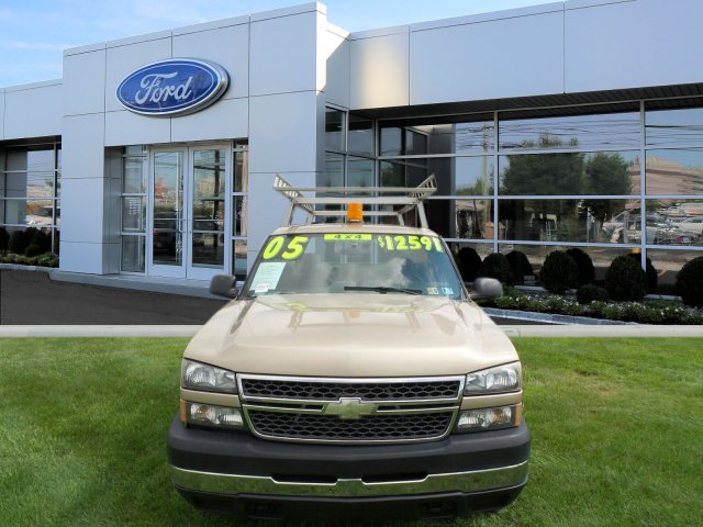 2005 Silverado 2500 Regular Cab 4x4,  Service Body #W20647S - photo 3