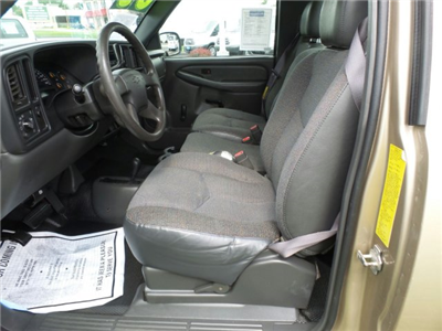 2005 Silverado 2500 Regular Cab 4x4,  Service Body #W20647S - photo 8