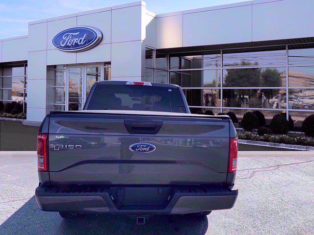 2017 Ford F-150 SuperCrew Cab 4x4, Pickup #W21349P - photo 2