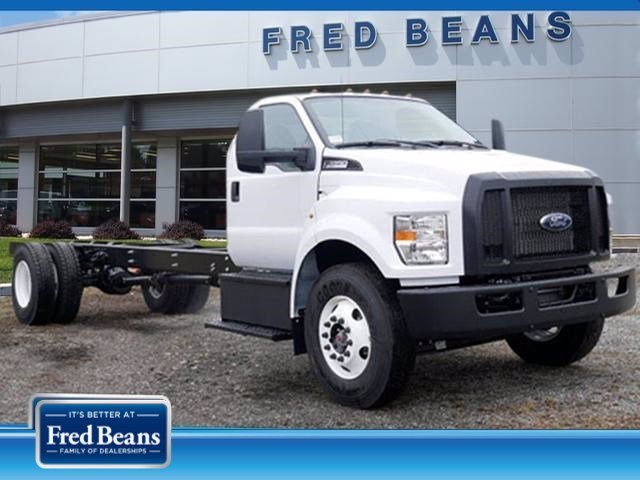 2021 Ford F-650 Regular Cab DRW 4x2, Cab Chassis #WU10007 - photo 1