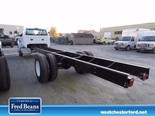2021 Ford F-650 Regular Cab DRW 4x2, Cab Chassis #WU10034 - photo 2