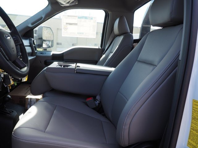 2019 F-550 Regular Cab DRW 4x4,  Jerr-Dan Standard Duty Carriers Rollback Body #WU19802 - photo 4