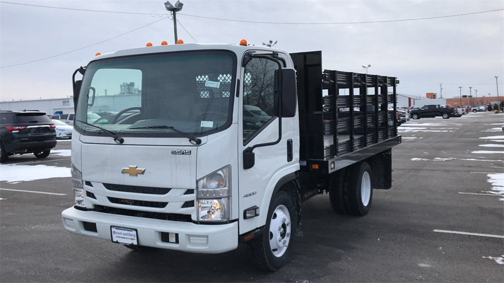 2018 LCF 4500 Regular Cab,  Cab Chassis #CF8T810311 - photo 3
