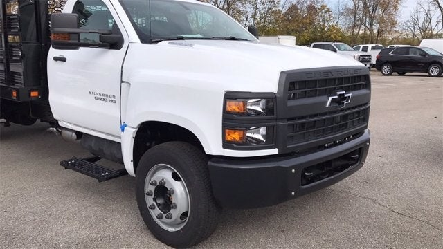 2019 Chevrolet Silverado 6500 Regular Cab DRW RWD, Knapheide Value-Master X Stake Bed #CF9T153049 - photo 5