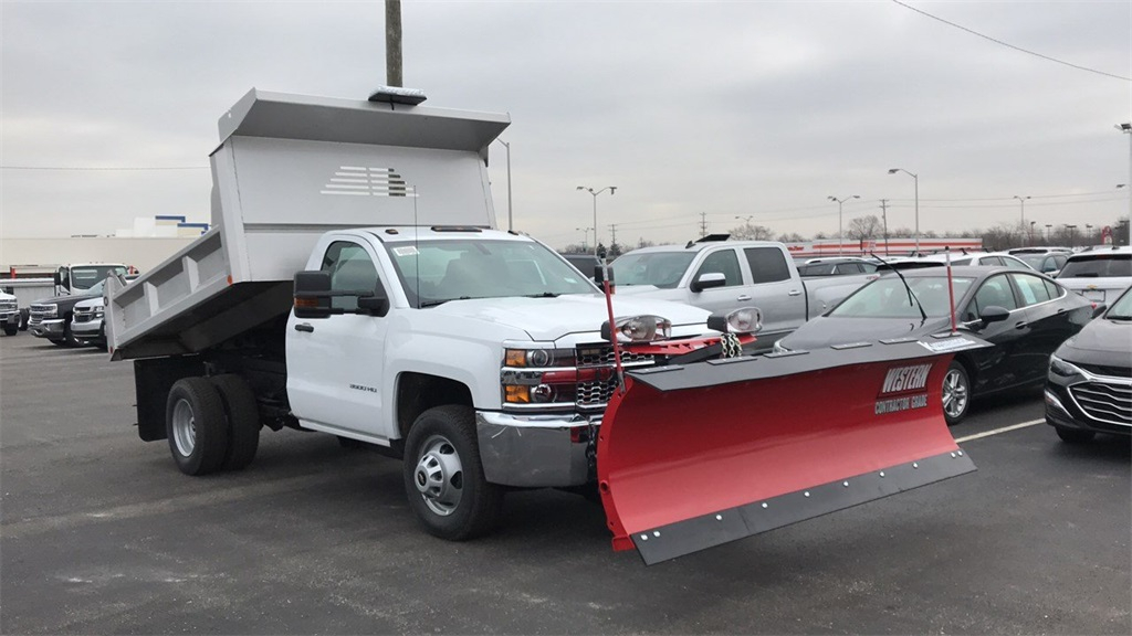 2019 Silverado 3500 Regular Cab DRW 4x4,  Crysteel Dump Body #CF9T153827 - photo 3