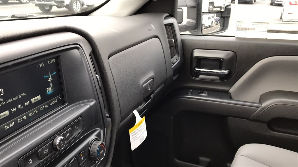 2019 Silverado 3500 Regular Cab DRW 4x4,  Duramag Service Body #CF9T161039 - photo 28
