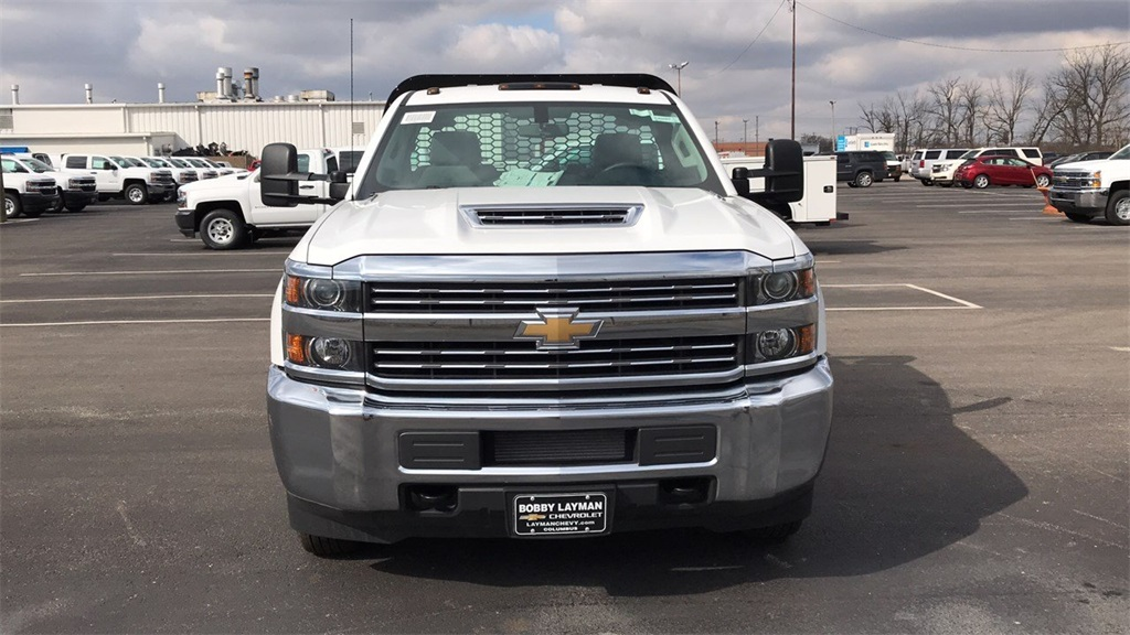 2017 Silverado 3500 Regular Cab DRW 4x2,  Knapheide Platform Body #CHF200828 - photo 4