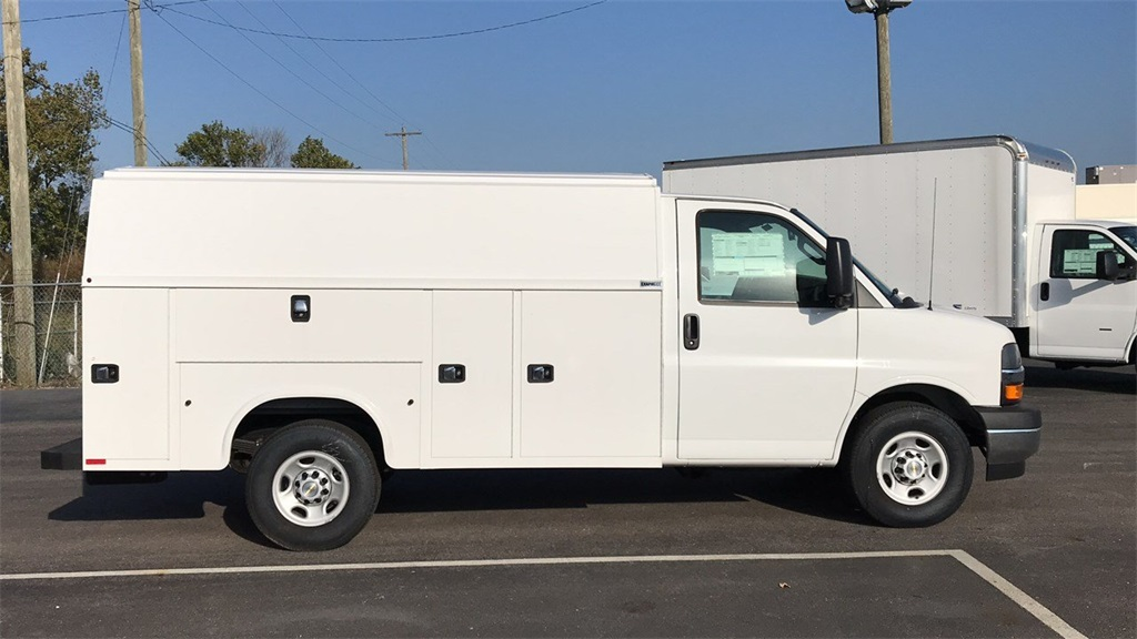 2018 Express 3500 4x2,  Knapheide Service Utility Van #CJ1276123 - photo 4