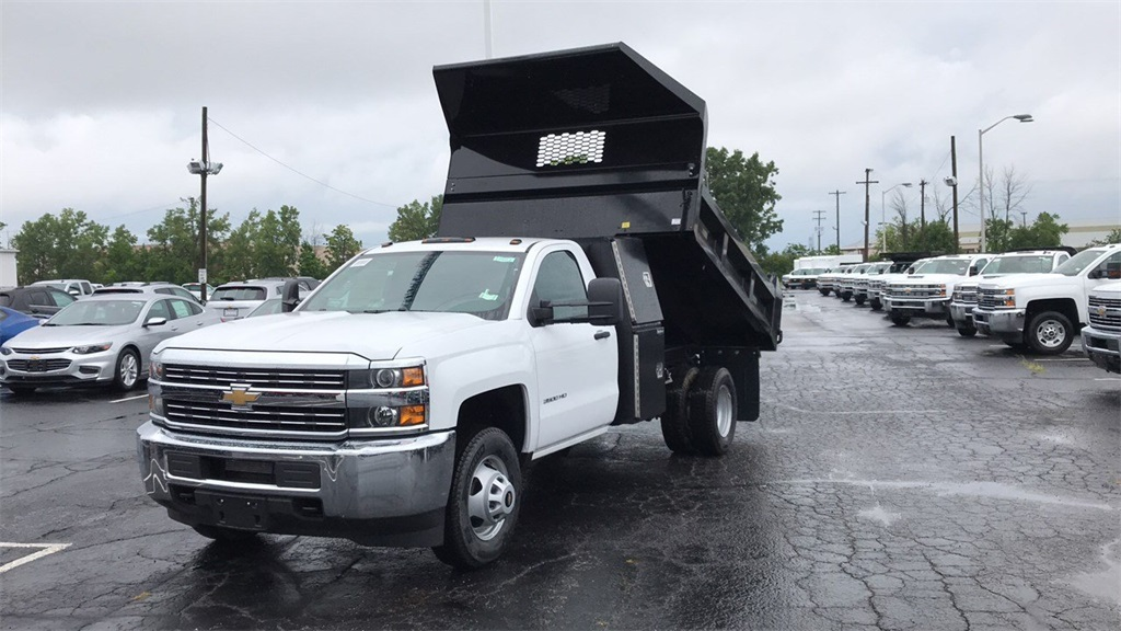 2018 Silverado 3500 Regular Cab DRW 4x4,  Knapheide Dump Body #CJF102109 - photo 3