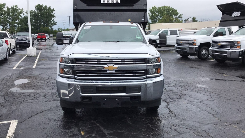 2018 Silverado 3500 Regular Cab DRW 4x4,  Knapheide Dump Body #CJF102109 - photo 4