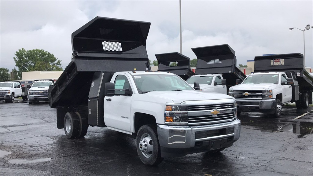 2018 Silverado 3500 Regular Cab DRW 4x4,  Knapheide Dump Body #CJF102109 - photo 5