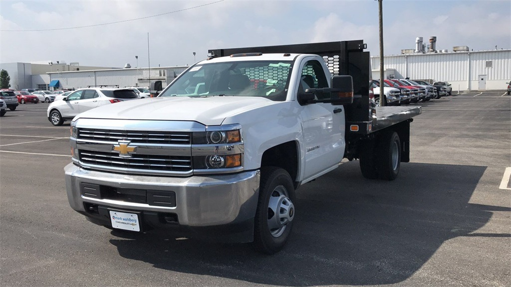 2018 Silverado 3500 Regular Cab DRW 4x2,  Knapheide Platform Body #CJF111380 - photo 4