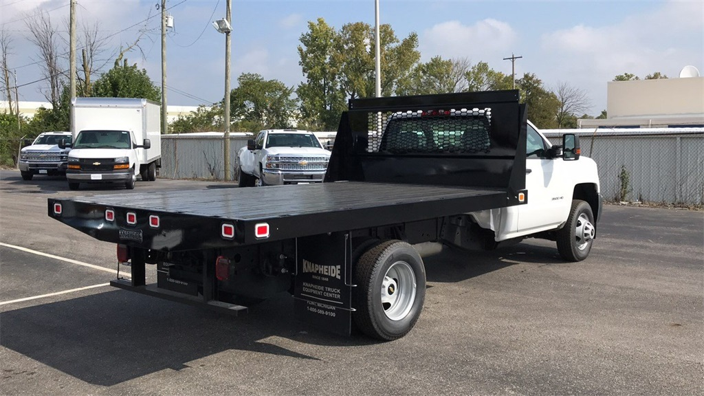 2018 Silverado 3500 Regular Cab DRW 4x2,  Knapheide Platform Body #CJF111380 - photo 3