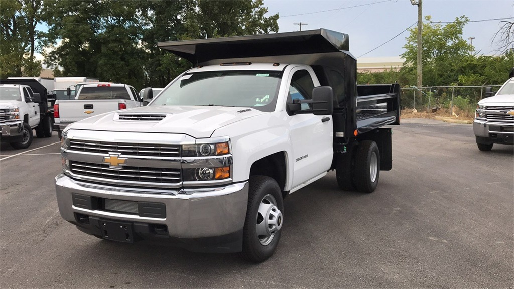 2018 Silverado 3500 Regular Cab DRW 4x2,  Crysteel Dump Body #CJF126182 - photo 4