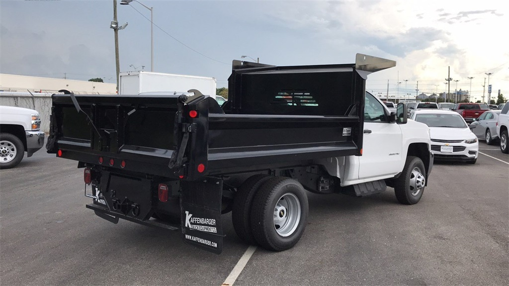 2018 Silverado 3500 Regular Cab DRW 4x2,  Crysteel Dump Body #CJF126182 - photo 3