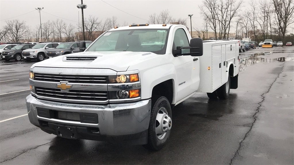 2018 Silverado 3500 Regular Cab DRW 4x2,  Cab Chassis #CJF128109 - photo 2