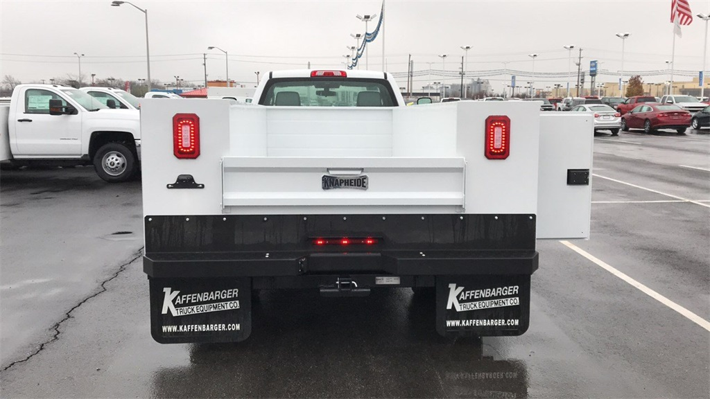 2018 Silverado 3500 Regular Cab DRW 4x2,  Cab Chassis #CJF128109 - photo 6