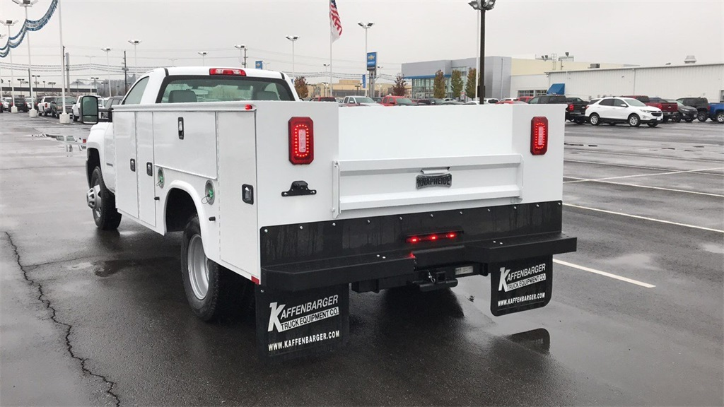 2018 Silverado 3500 Regular Cab DRW 4x2,  Cab Chassis #CJF128109 - photo 7