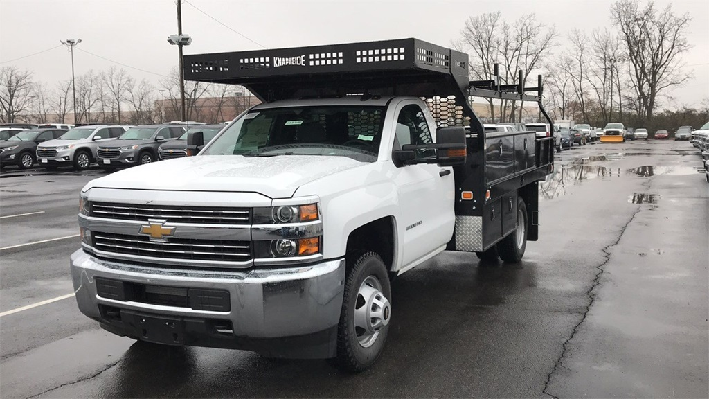 2018 Silverado 3500 Regular Cab DRW 4x4,  Knapheide Concrete Contractor Body #CJF146828 - photo 4