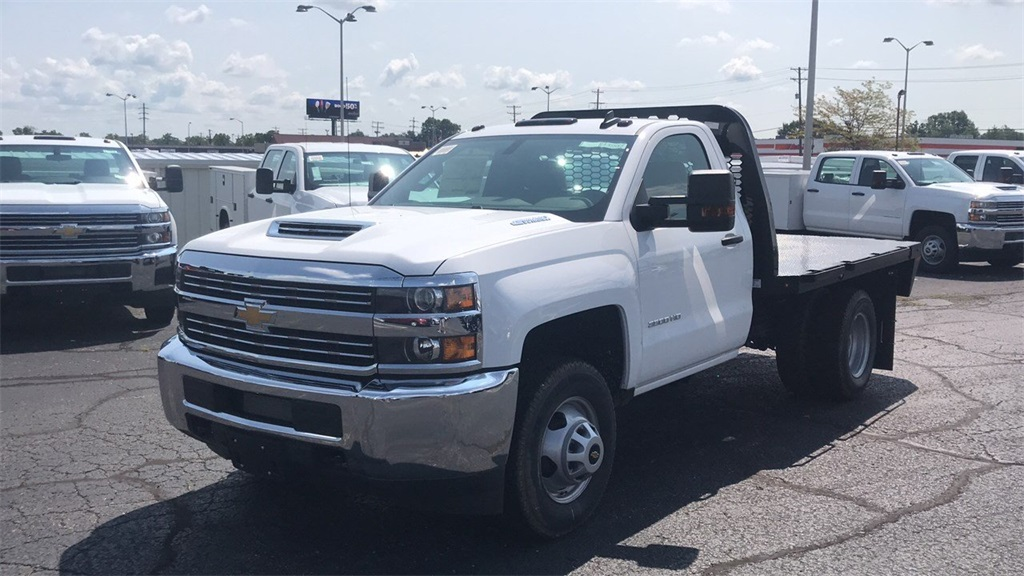 2018 Silverado 3500 Regular Cab DRW 4x2,  Knapheide Platform Body #CJF153578 - photo 5