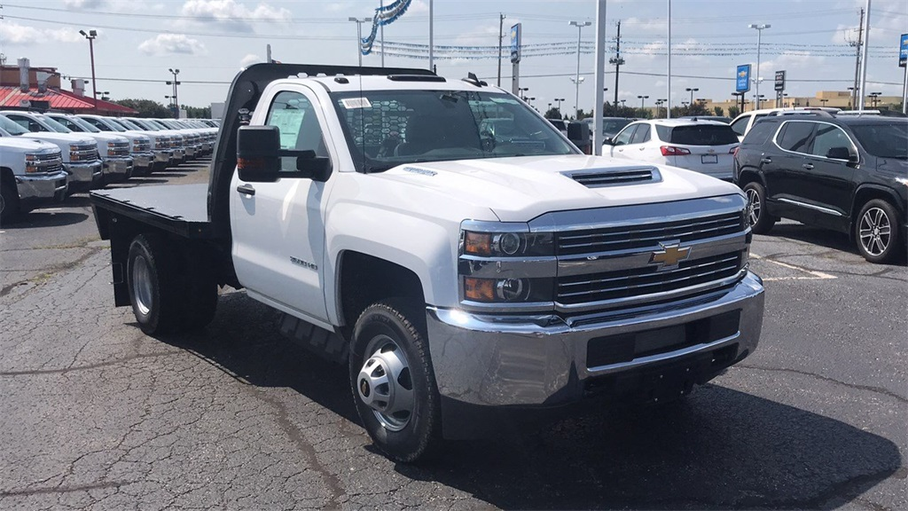 2018 Silverado 3500 Regular Cab DRW 4x2,  Knapheide Platform Body #CJF153578 - photo 7