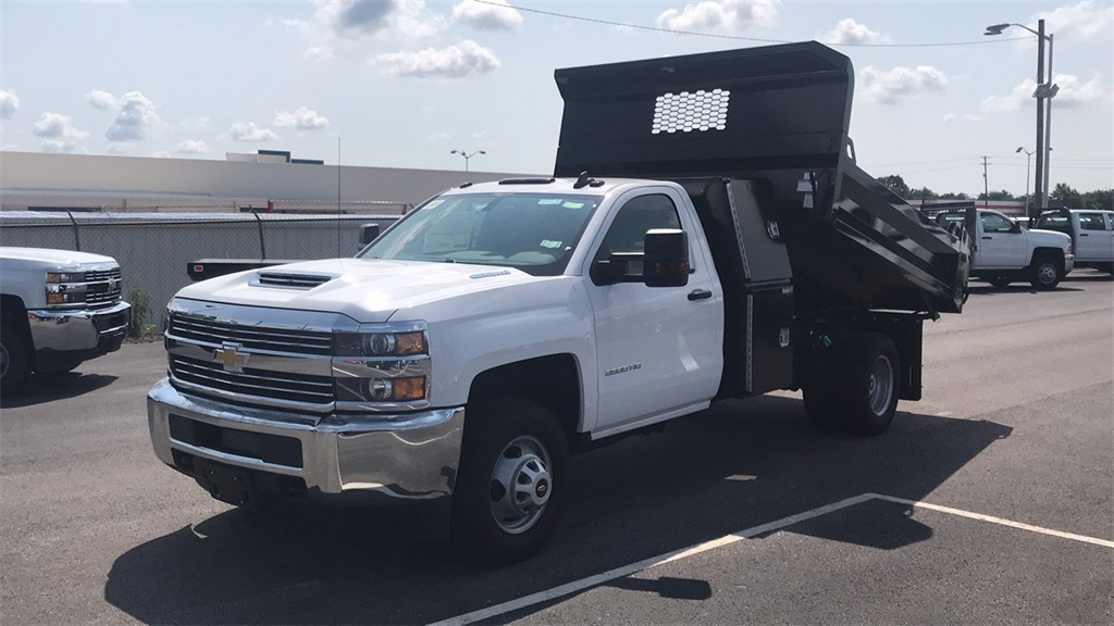 2018 Silverado 3500 Regular Cab DRW 4x4,  Knapheide Dump Body #CJF165819 - photo 5