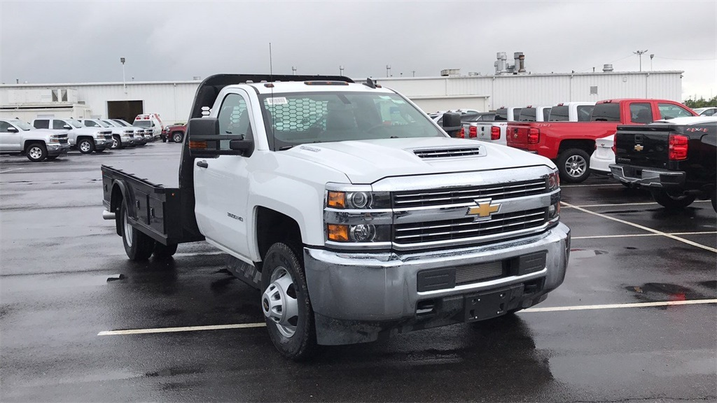2018 Silverado 3500 Regular Cab DRW 4x4,  Knapheide Platform Body #CJF184226 - photo 5
