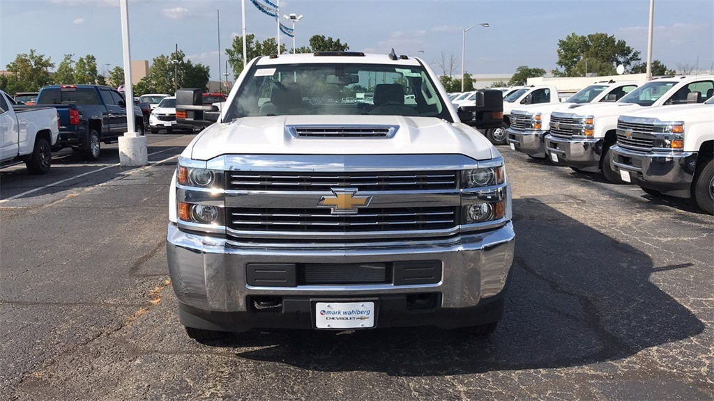 2018 Silverado 3500 Regular Cab DRW 4x4,  Knapheide Service Body #CJF185893 - photo 4