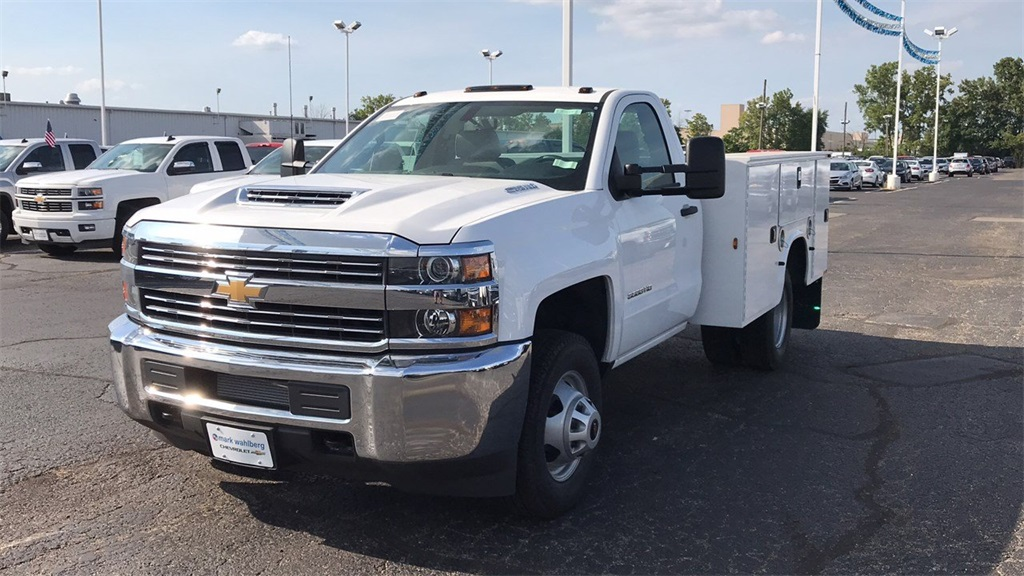 2018 Silverado 3500 Regular Cab DRW 4x4,  Knapheide Service Body #CJF196370 - photo 3