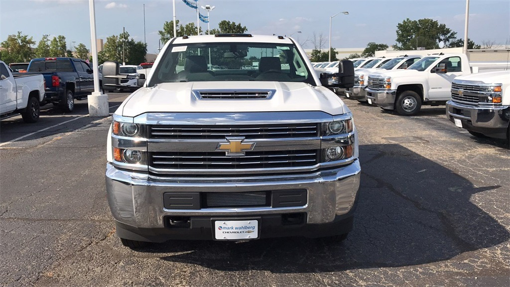 2018 Silverado 3500 Regular Cab DRW 4x4,  Knapheide Service Body #CJF196370 - photo 4