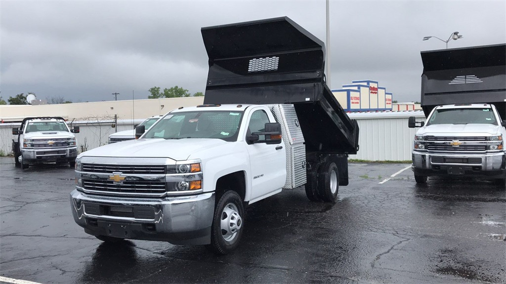 2018 Silverado 3500 Regular Cab DRW 4x4,  Knapheide Dump Body #CJF201273 - photo 3
