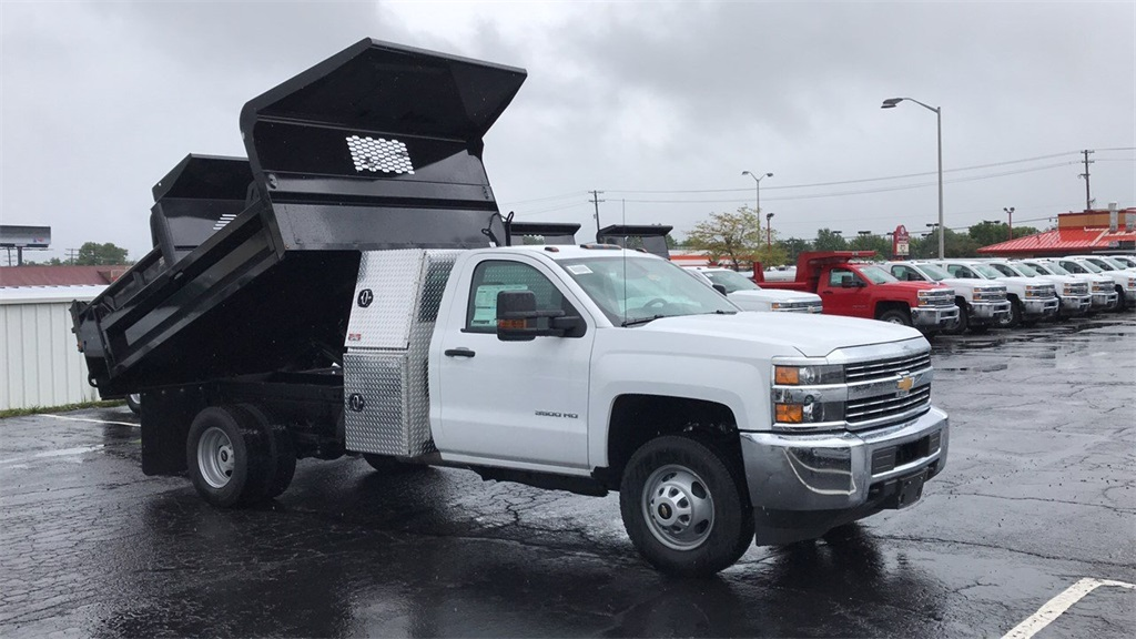 2018 Silverado 3500 Regular Cab DRW 4x4,  Knapheide Dump Body #CJF201273 - photo 5