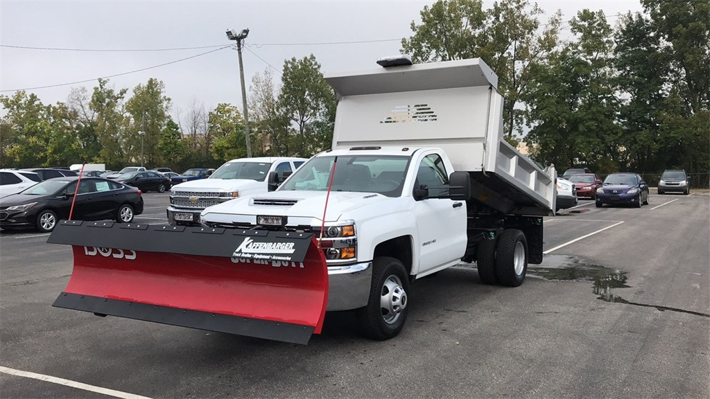 2018 Silverado 3500 Regular Cab DRW 4x4,  Crysteel Dump Body #CJF202905 - photo 3